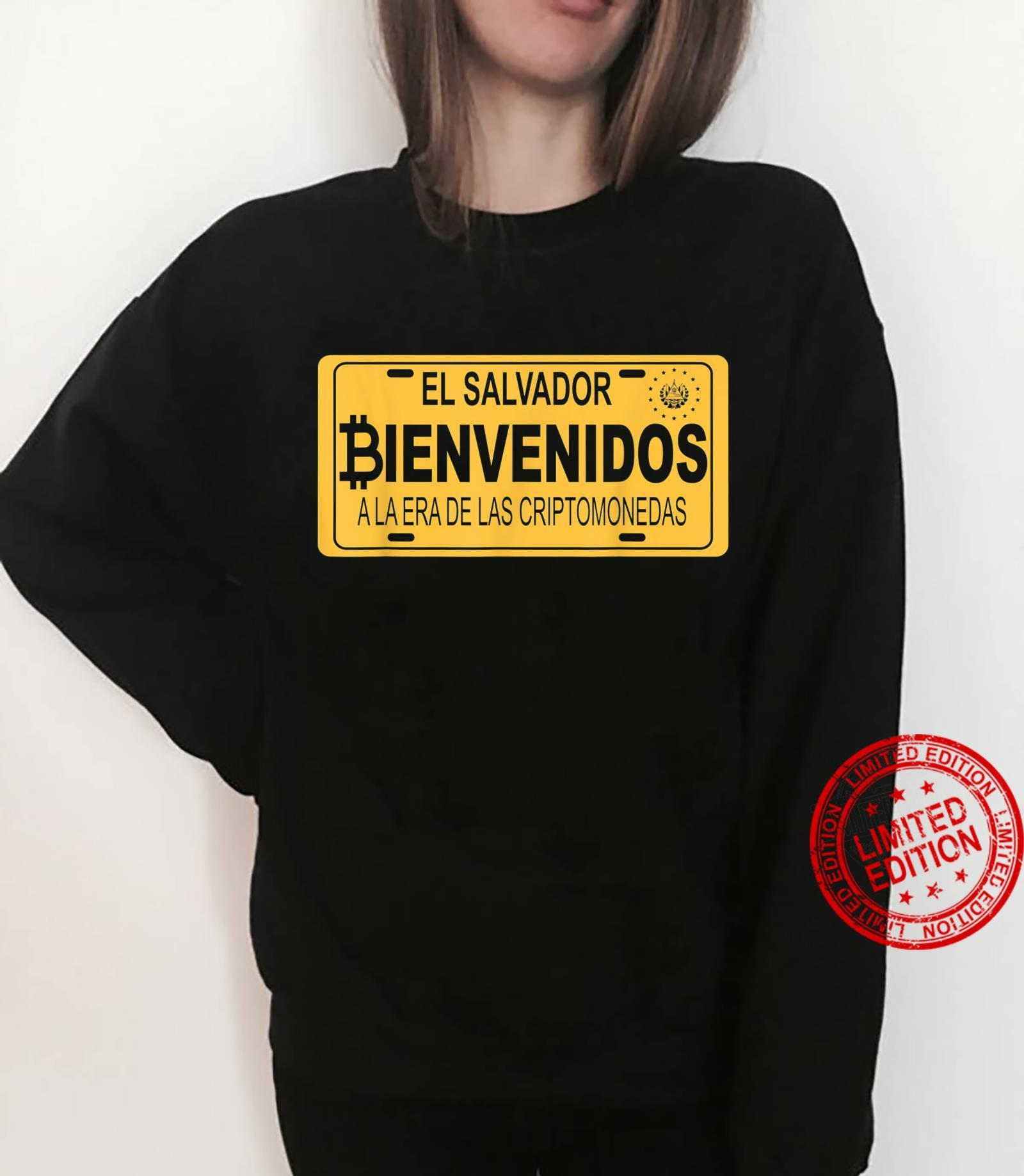 Bienvenidos a la Era De Las Criptomonedas En El Salvador Shirt sweater